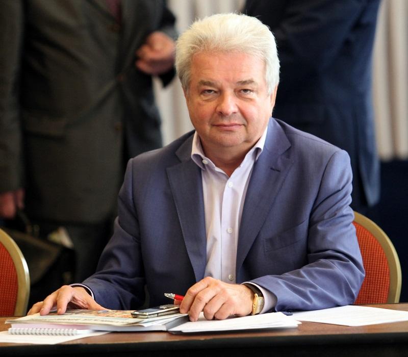 Дмитрий Зубов поздравляет с Днем защитника Отечества!